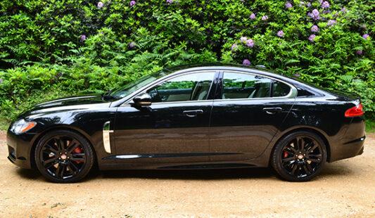 XF-R-Sport-Black-2015-33